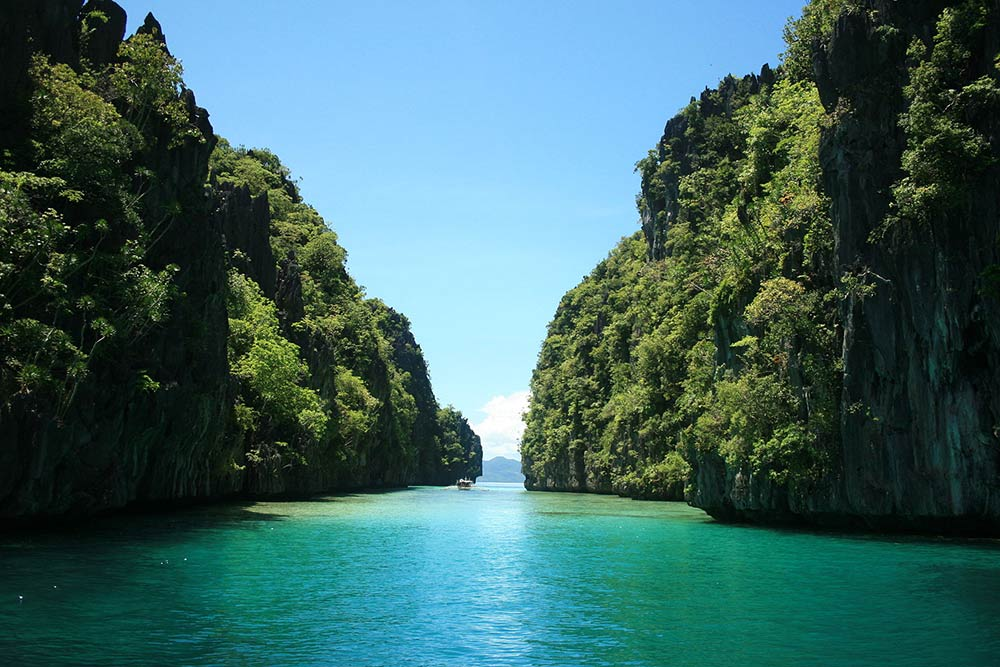 the beauty of nature of the philippines The philippines, officially the republic of the philippines (filipino: republika ng pilipinas), is an archipelagic country in southeast asia.