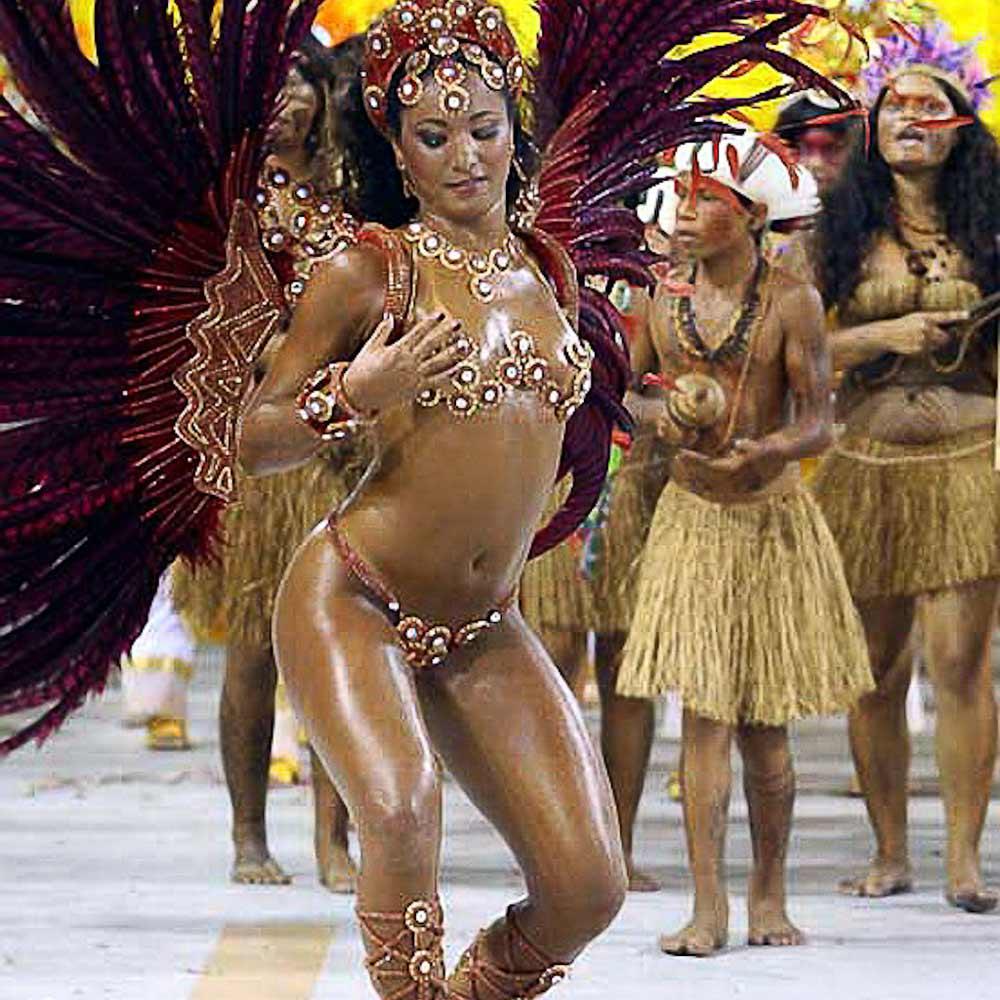 Три мулатки на карнавале 15 фотография